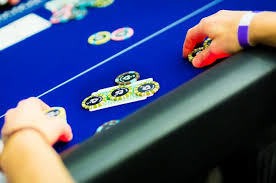 Texas Hold Em - Is Loose Aggressive Or Tight Aggressive Better