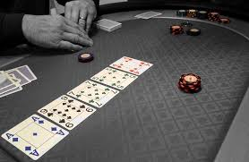 A Review of the Folding Oval Poker Table